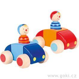 Dřevěné autíčko pronejmenší sřidičem ahoukačkou
