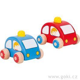 Dřevěné autíčko doruky sežlutou houkačkou
