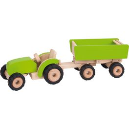 Zelený traktor svlečkou, dřevěná hračka prokluky